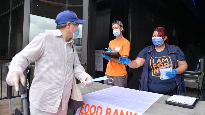 加州上周首次申请失业救济人数降至5.3万