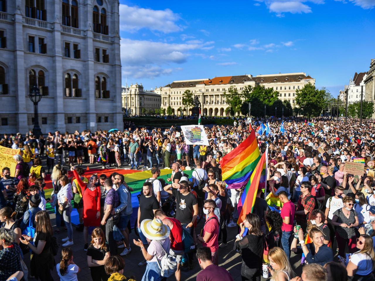 匈牙利禁止校园传播同性恋教育引欧盟17国声讨