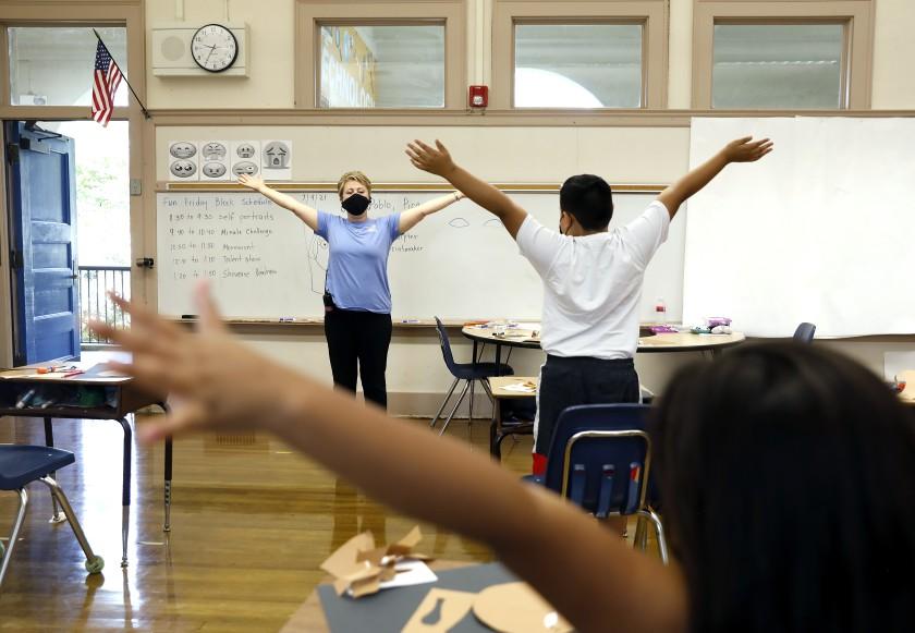 加州受教职人员短缺问题重返校园不如预期