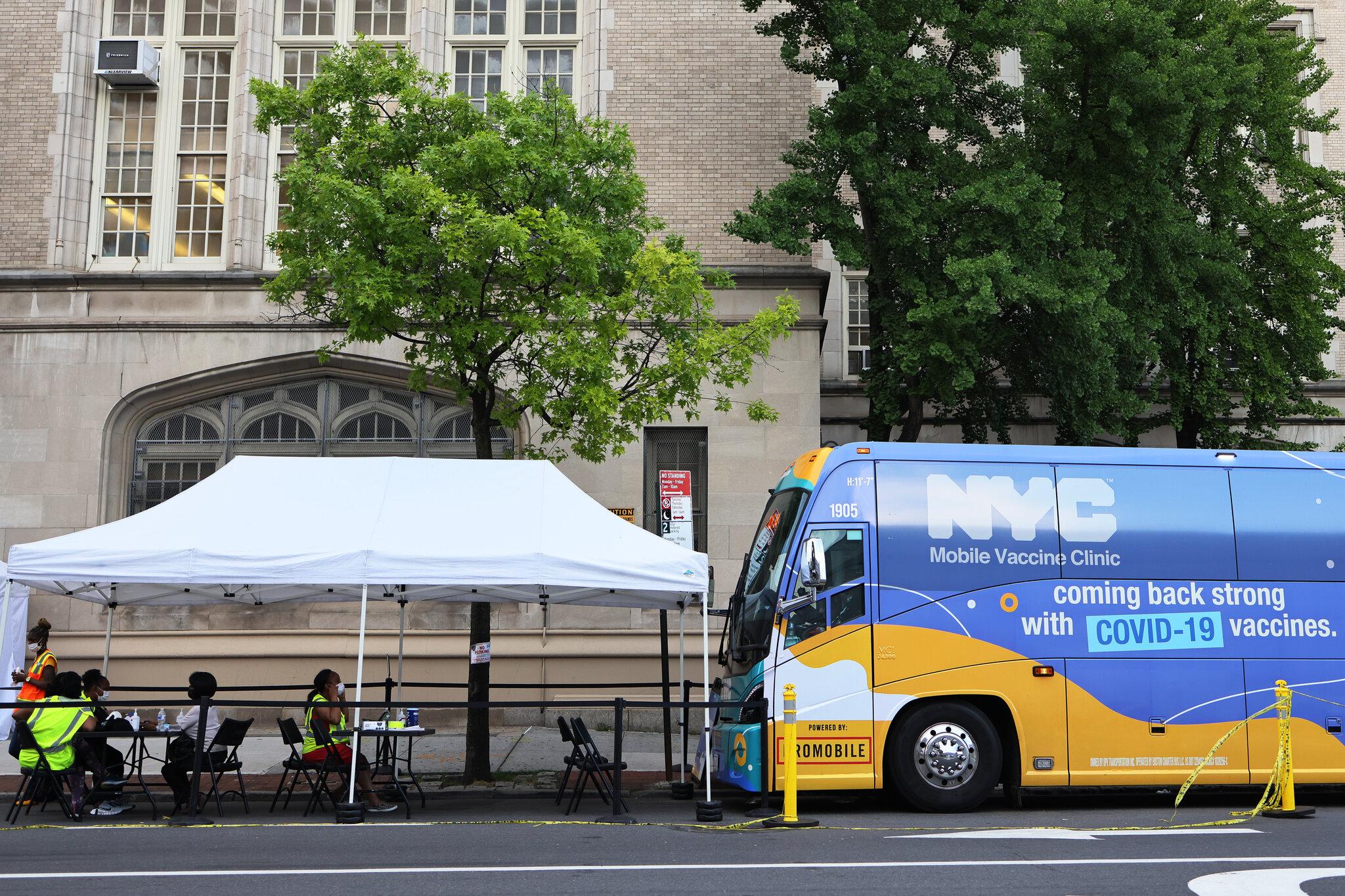 纽约市新冠病例大增,市长要求市政人员一律接种疫苗