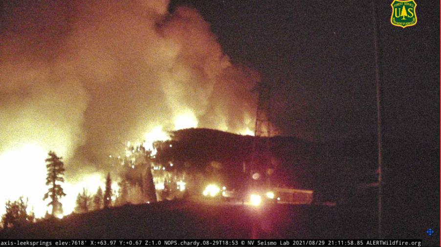 """加州山火""""Caldor fire""""持续往北部人口密集地区延烧 超过650座建筑被摧毁"""