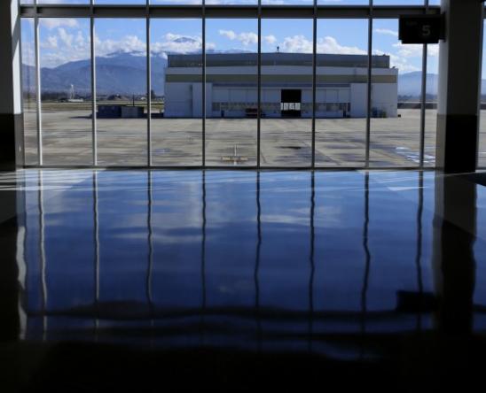 洛杉矶国际机场货运爆发式增长,电子商务进口增幅超700%
