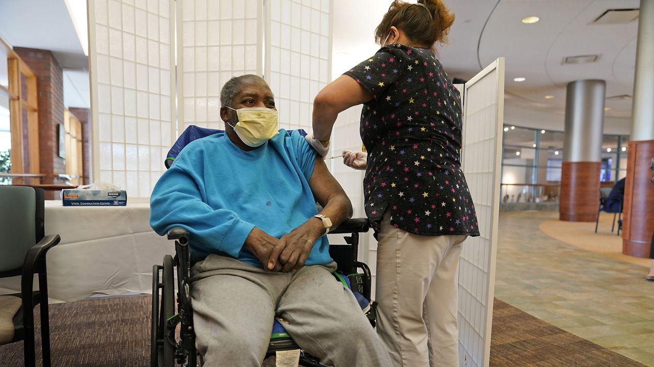 CDC:加强针的副作用将与第二针相似