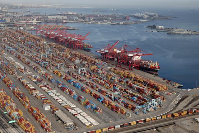 洛杉矶港为缓解货物囤积改全天24小时运营