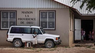 海地没有上帝!暴徒绑架美国、加拿大传教士及儿童